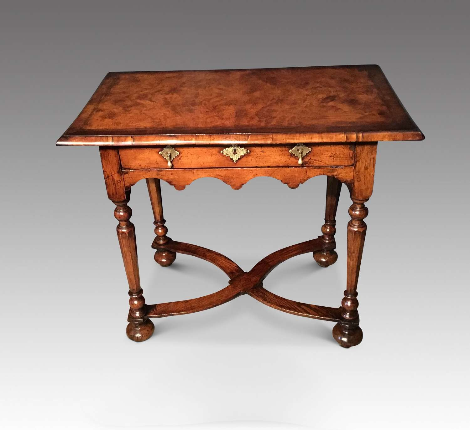 Early 18th century Sidetable.