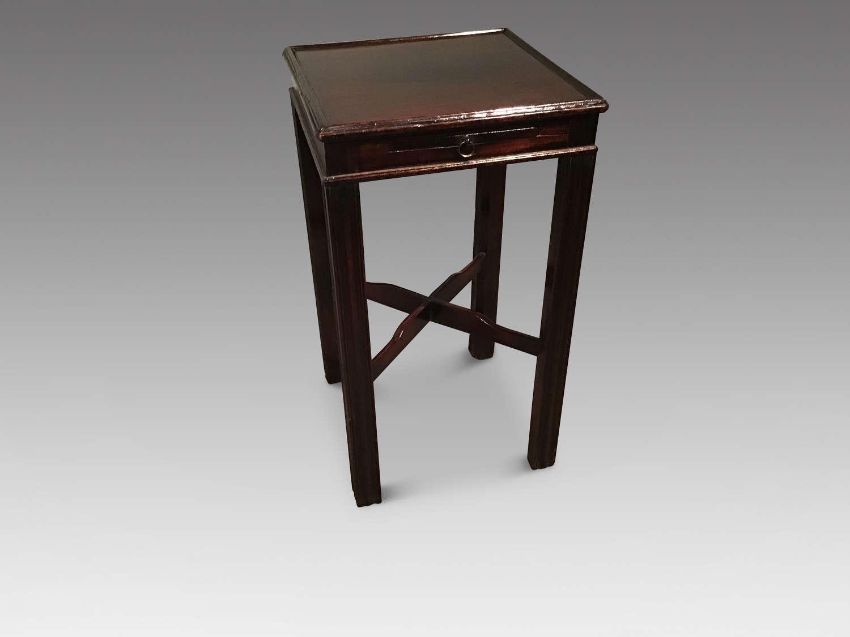 Georgian mahogany urn stand