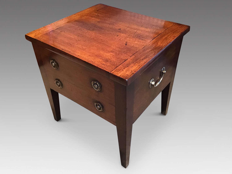 Georgian mahogany close stool