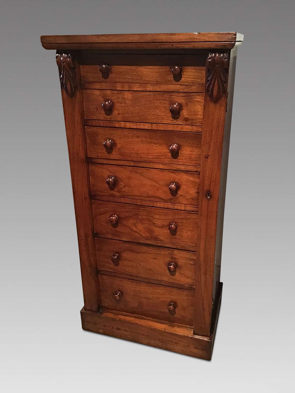 Antique Victorian wellington chest