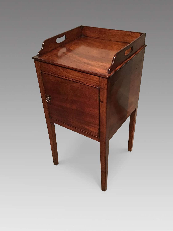 Georgian mahogany pot cupboard