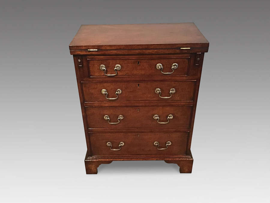 Antique mahogany batchelors chest.