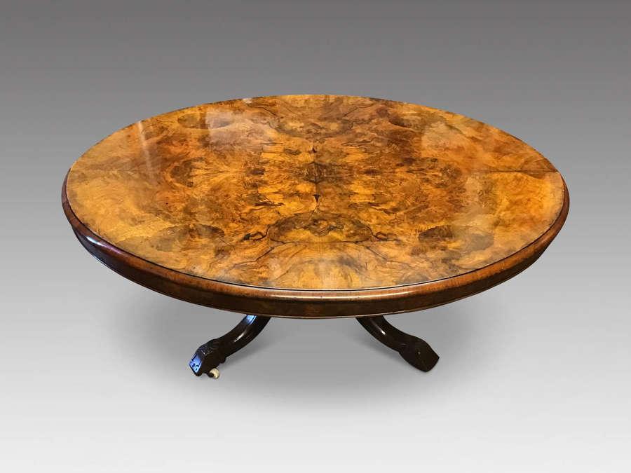 Victorian walnut loo table